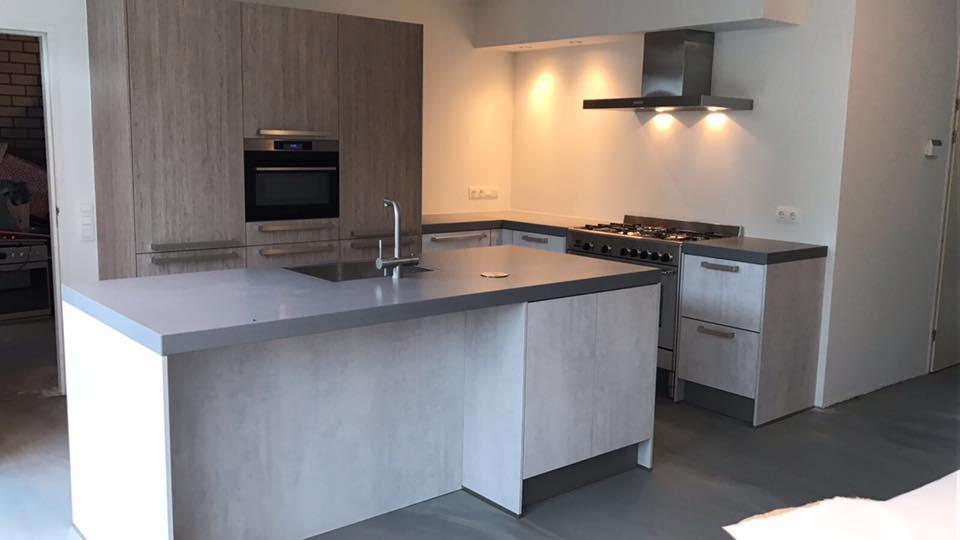 Gietvloer Keuken Design : Betonlook gietvloer keuken best ruud van delft betonrenovatie